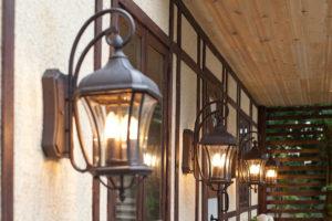 Настенные фнари для освещения дома