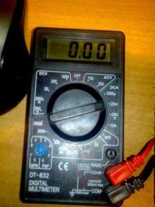 Подготовка мультиметра к измерению напряжения