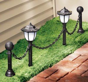 Оформление светильниками дорожки у дома