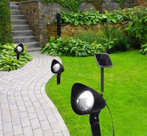 Как разместить светильники в саду