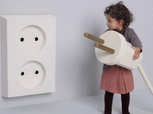 Высота установки розетки должна быть недосягаема для детей