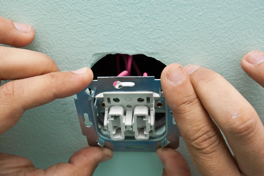 Ремонт выключателя своими руками: инструкция как сделать выключатель