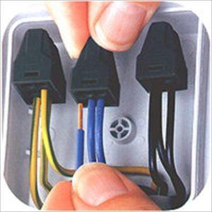 Соединение проводов с помощью ВАГА